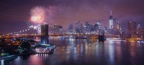 Feux d'artifices proches du Brooklyn Bridge